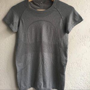 LULULEMON 6 grey short sleeve